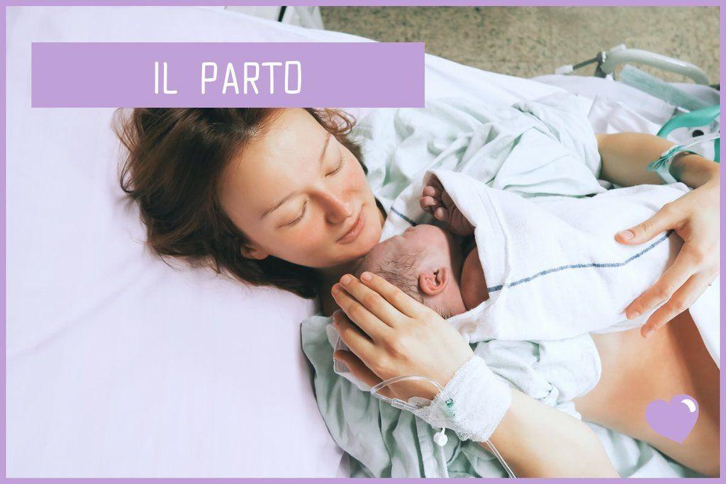 Donna con bambino subito dopo il parto